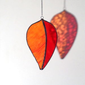 Attrape-soleil Feuille d'Arbre, en verre orange & rouge