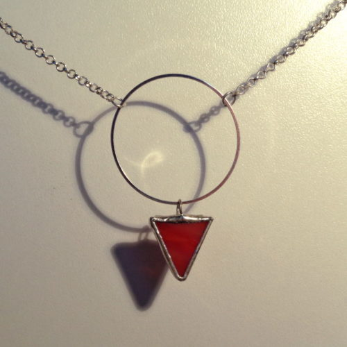 Collier Triana, en verre rouge flammé